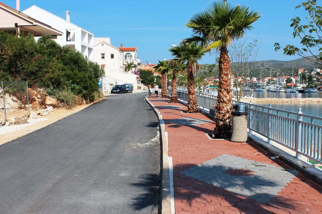 cesta na plazi